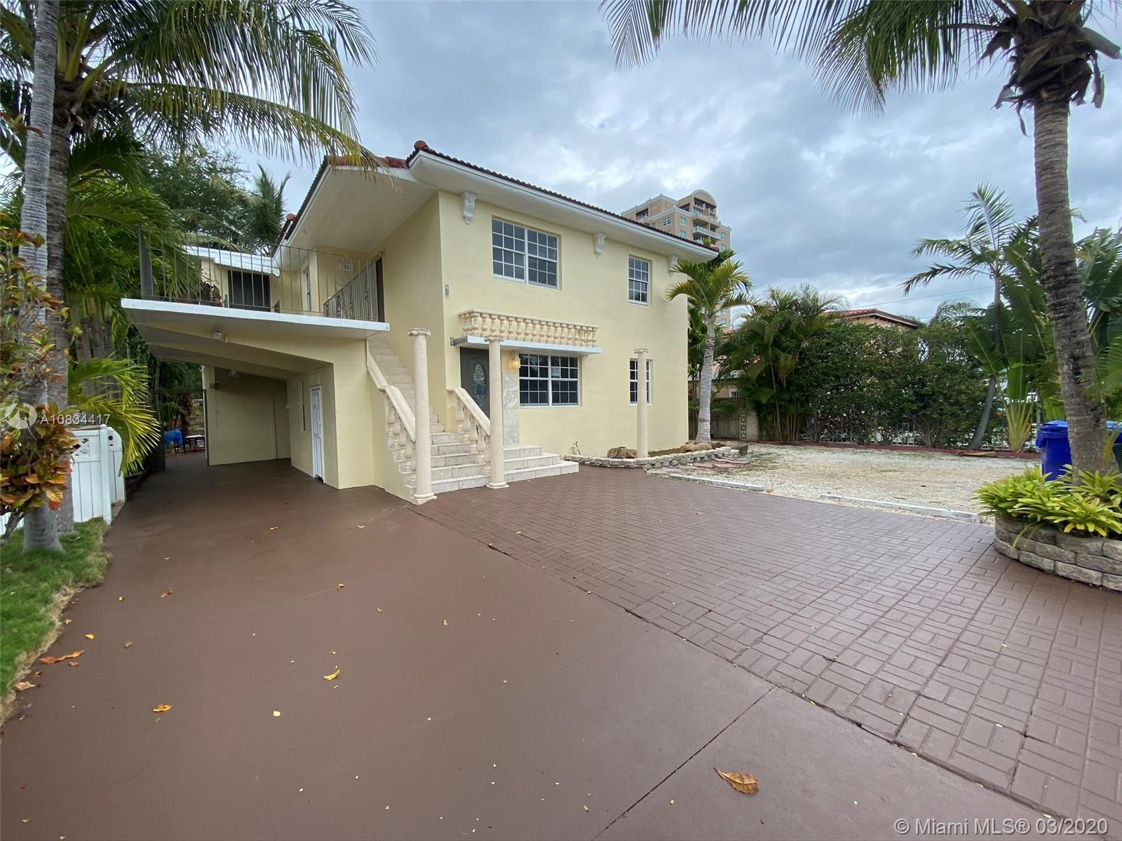 3711 SW 27th Ter  For Sale A10834417, FL