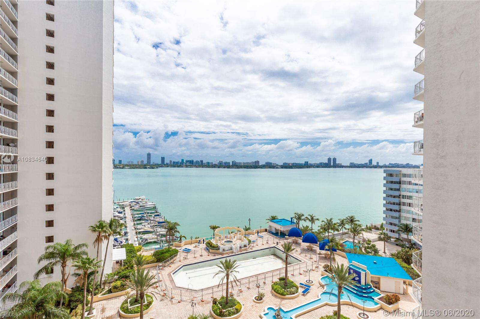 7601 E Treasure Dr #1209 For Sale A10834640, FL