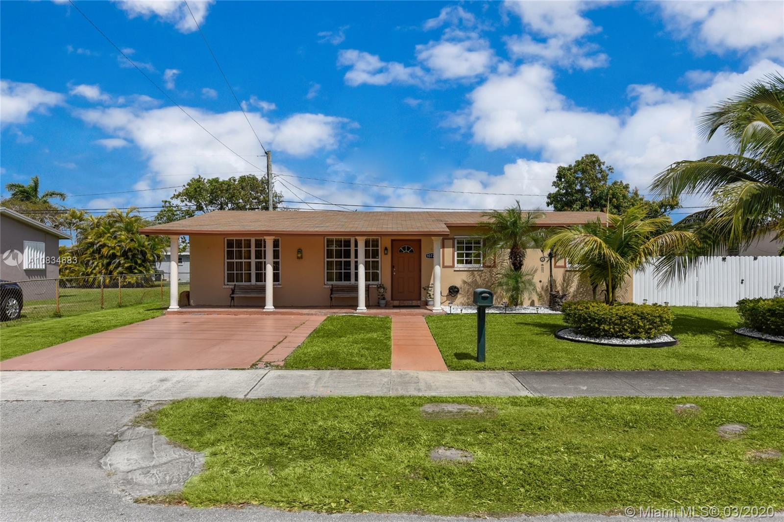 10721 SW 152nd St  For Sale A10834683, FL