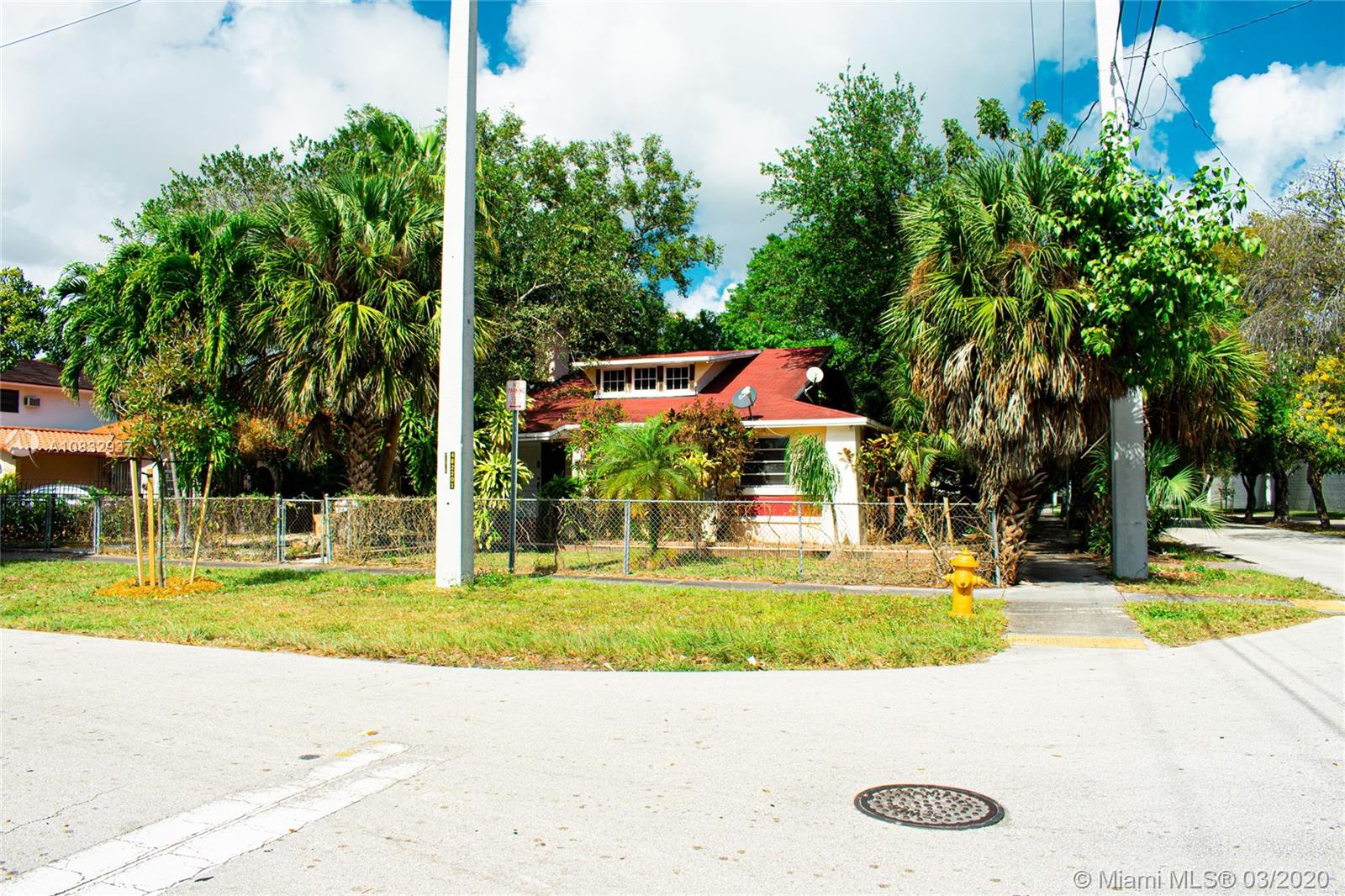 105 SW 20th Rd  For Sale A10832937, FL