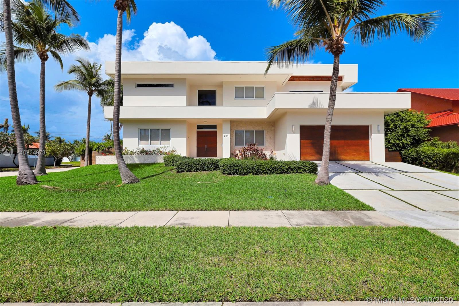 751  Tyler St  For Sale A10834973, FL