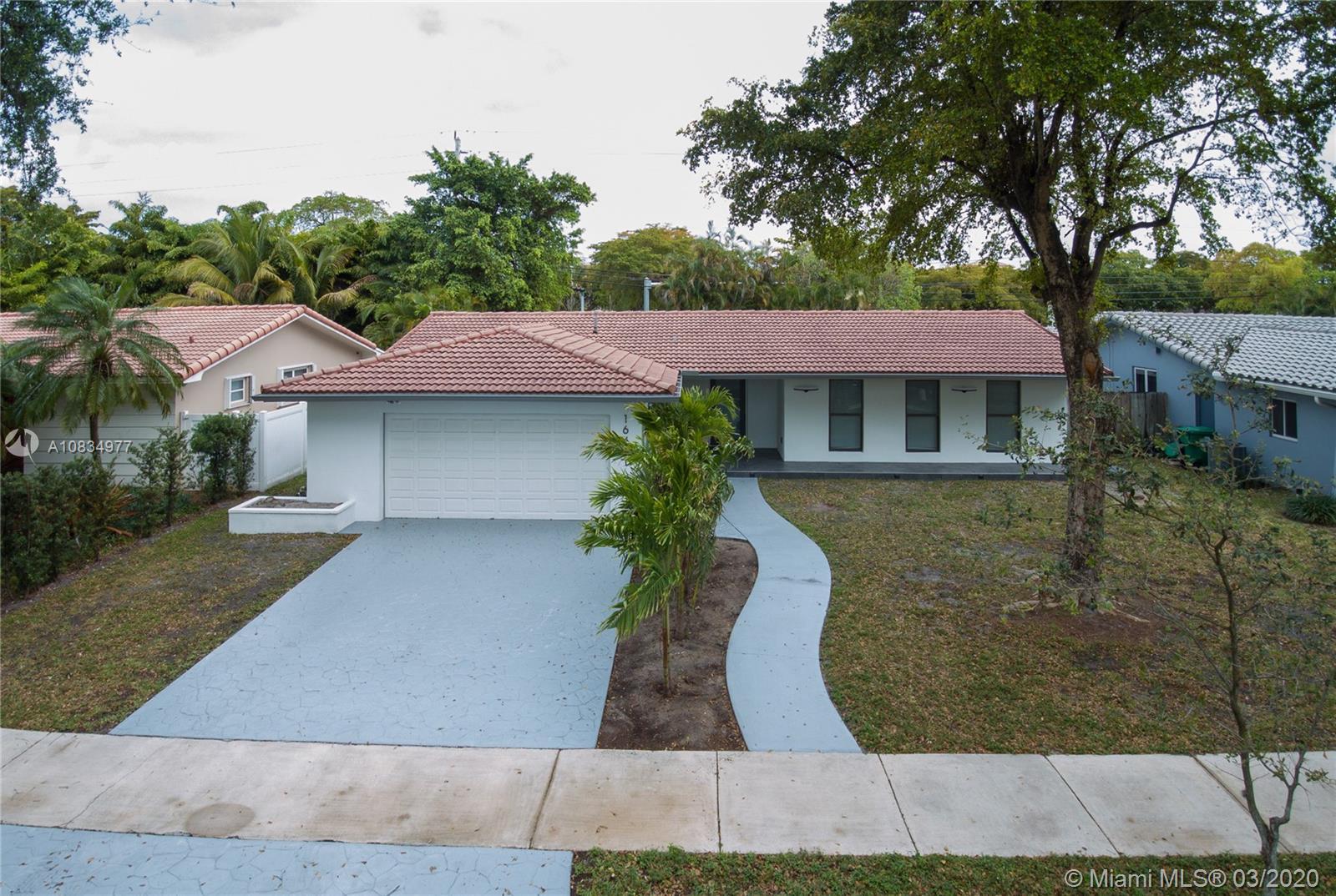 16431 Stonehaven Rd, Miami Lakes, FL 33014