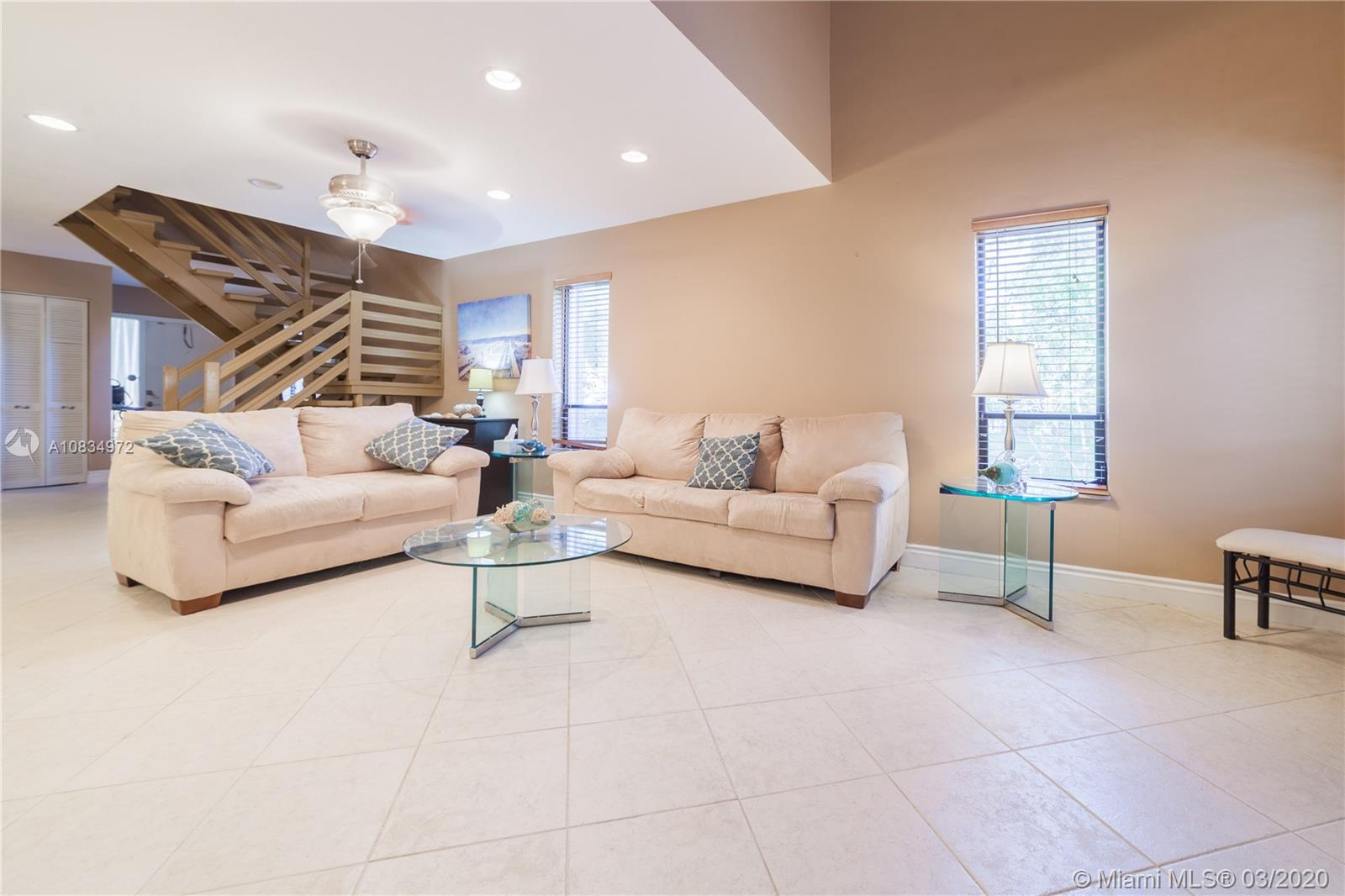 2826 N 34th Ave #8 For Sale A10834972, FL