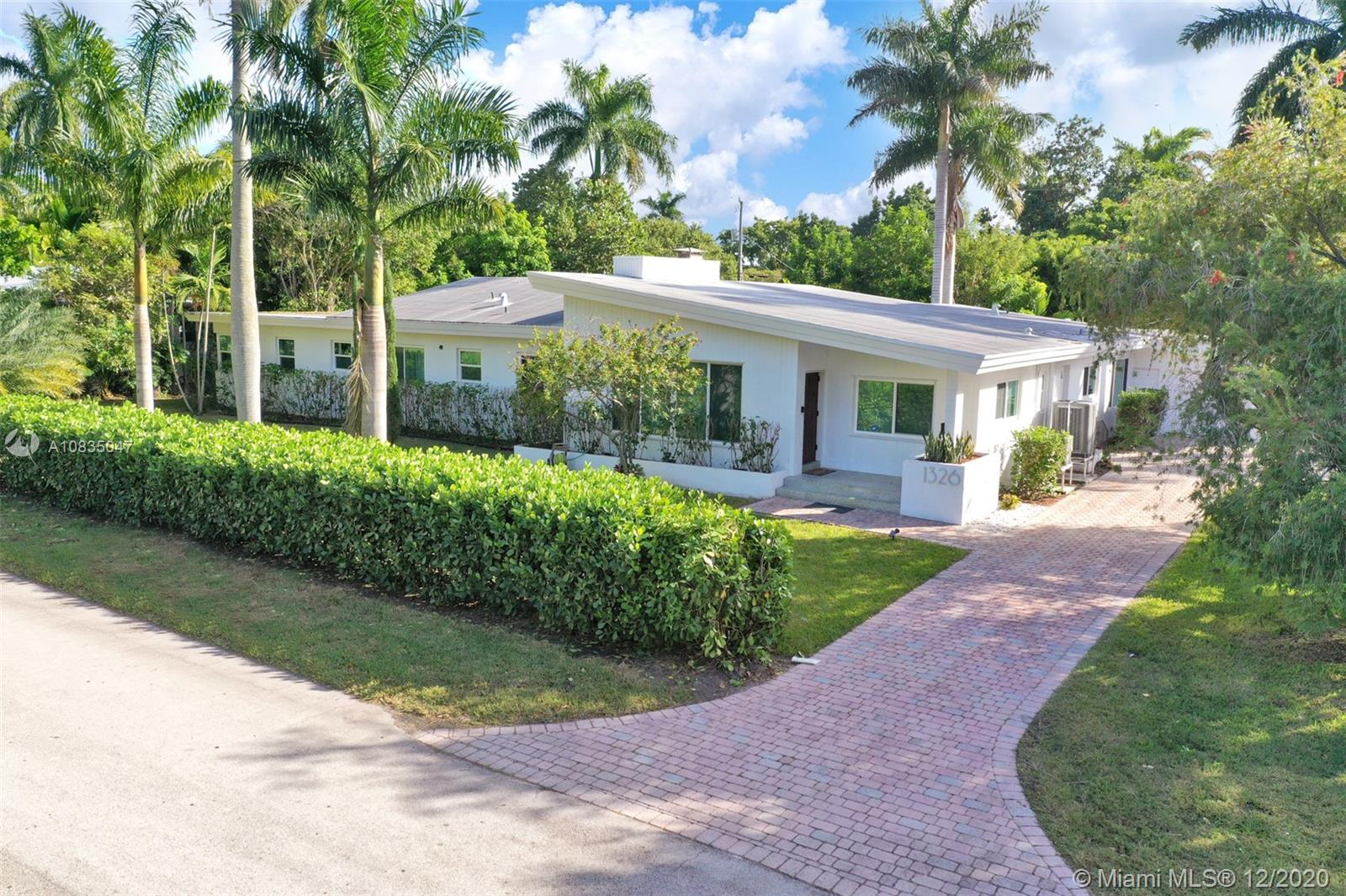 1326  Van Buren St  For Sale A10835047, FL