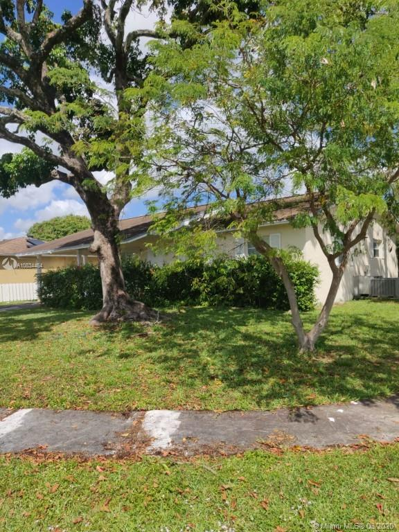 990 SW 82nd Ave, North Lauderdale, FL 33068