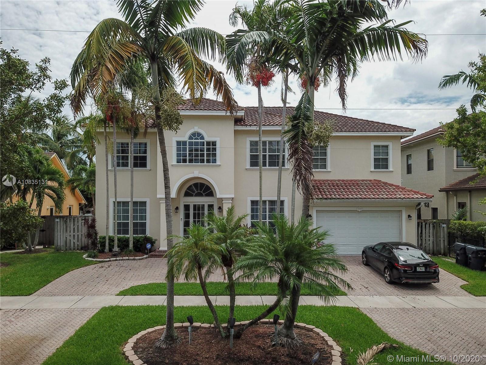 1112  Washington St  For Sale A10835131, FL
