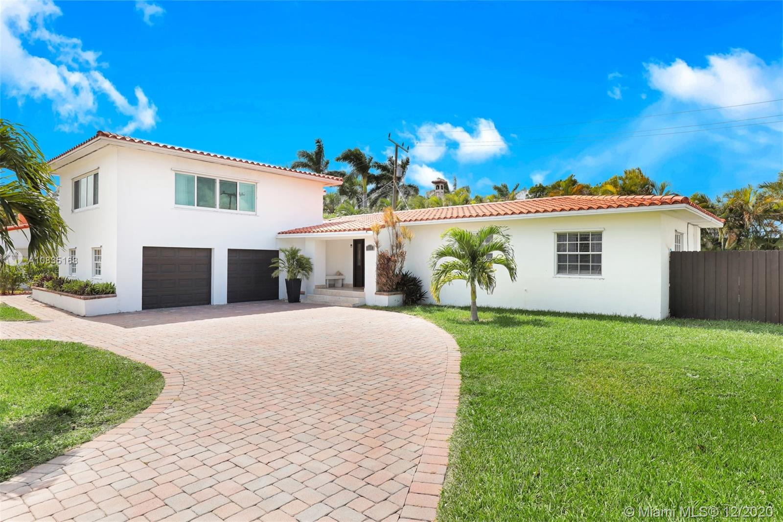 1217  Seabreeze Blvd  For Sale A10835168, FL