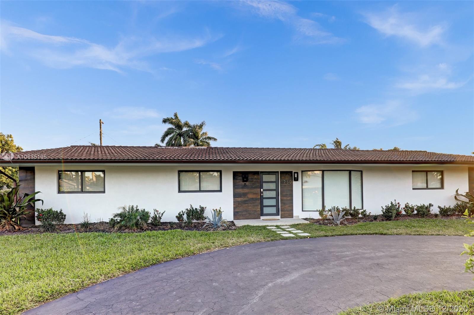1250  Washington St  For Sale A10835195, FL