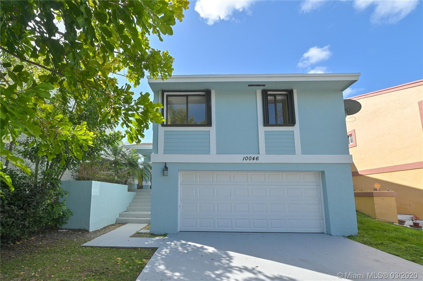 10046 SW 221st St  For Sale A10831754, FL