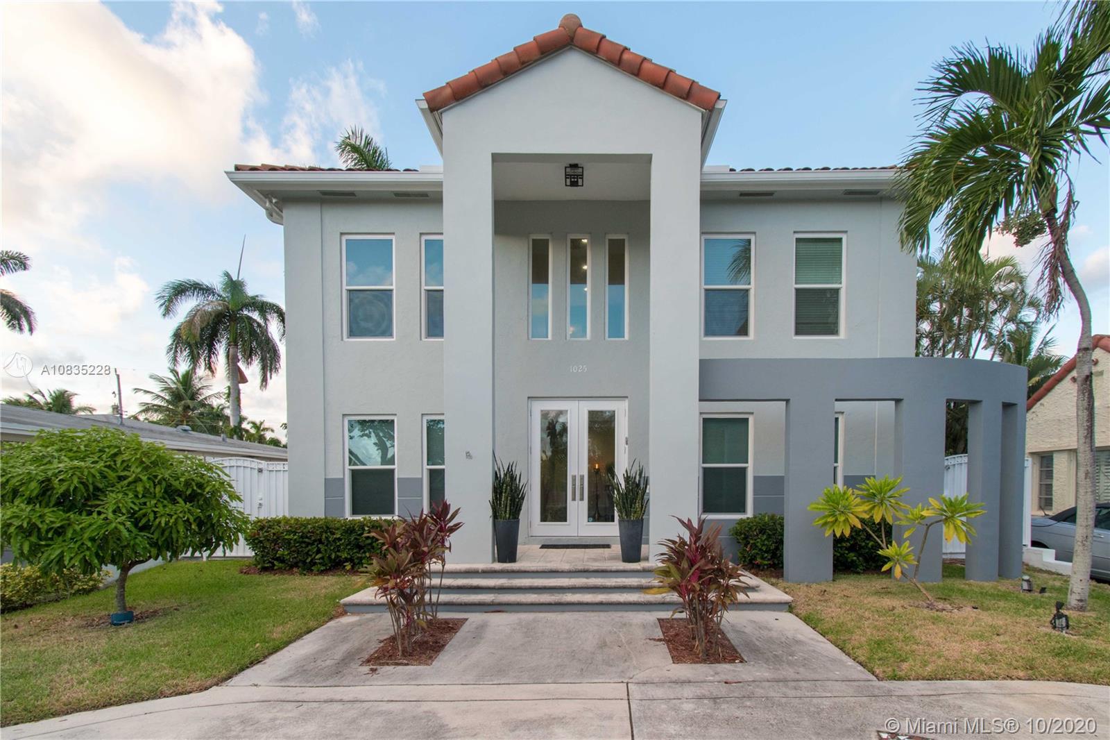 1025  Buchanan St  For Sale A10835228, FL