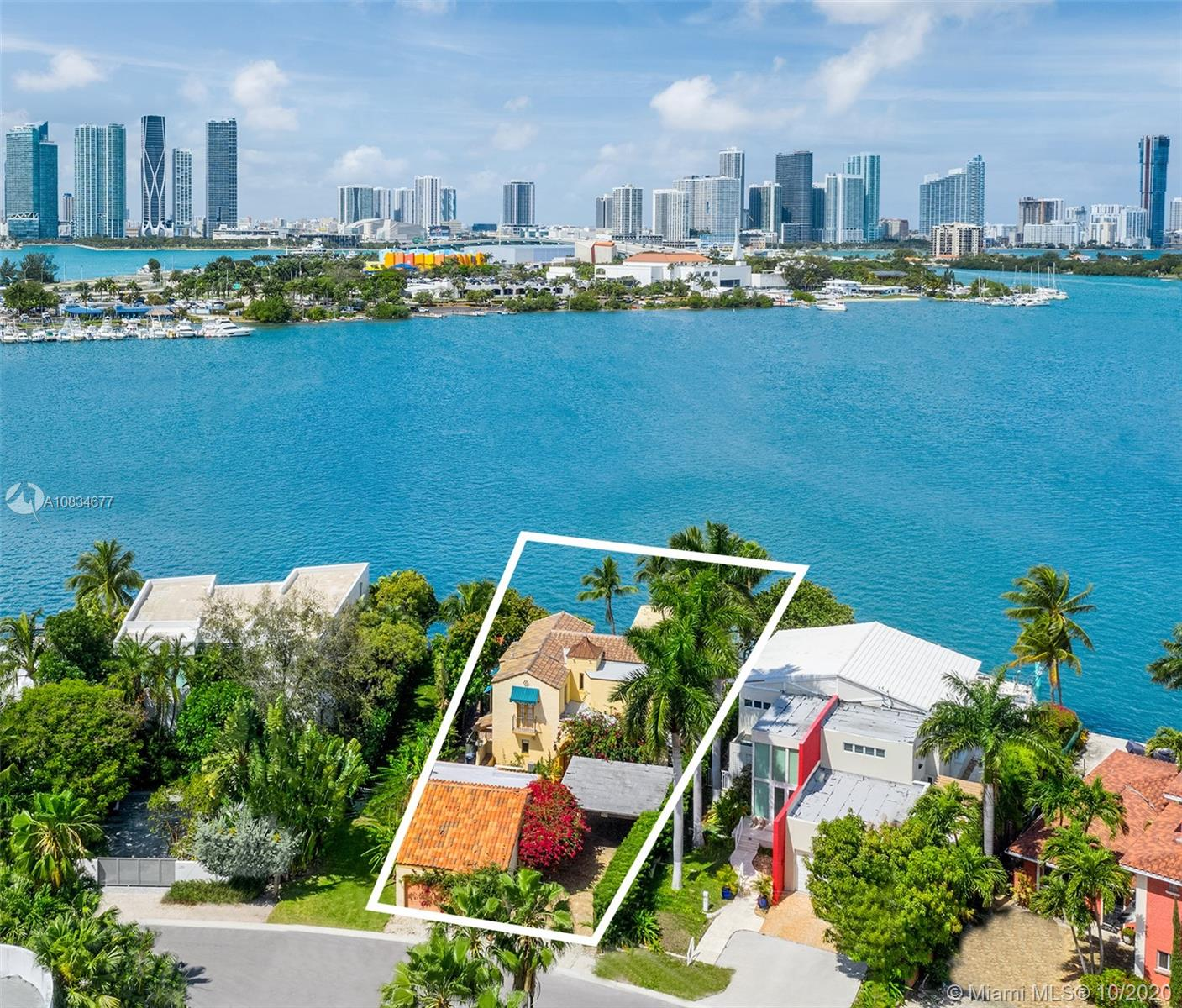 317 N Coconut Ln  For Sale A10834677, FL