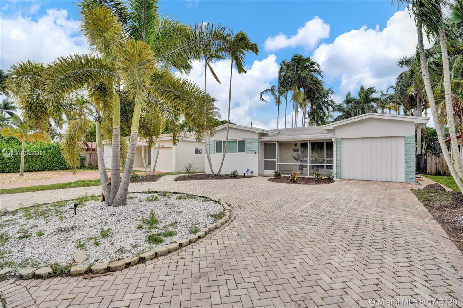 1210  Lincoln St  For Sale A10835357, FL