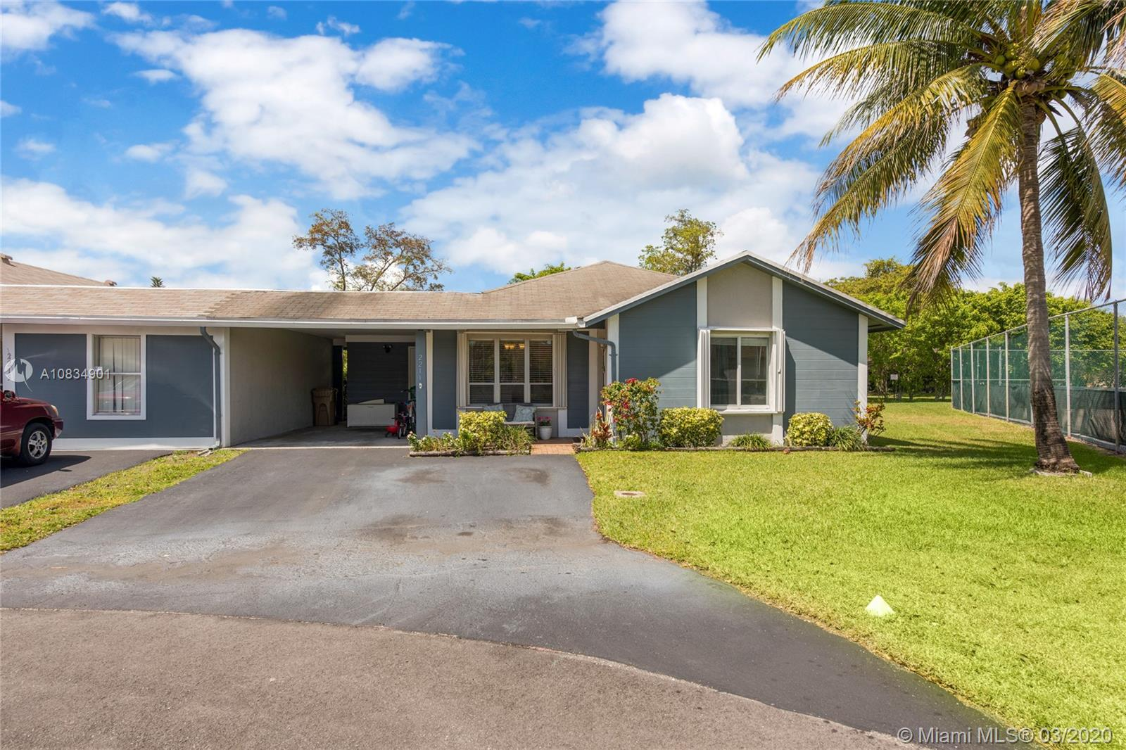 2211 SW 72nd Ave  For Sale A10834901, FL