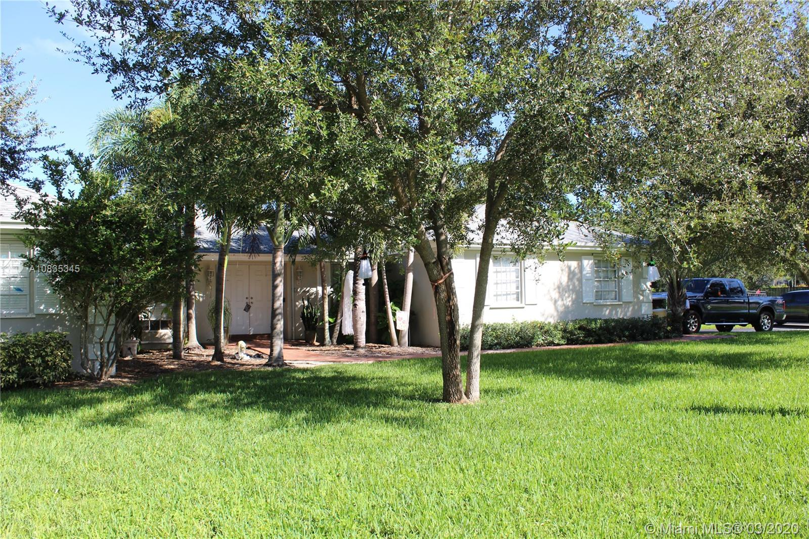 17525 SW 84 Avenue  For Sale A10835345, FL