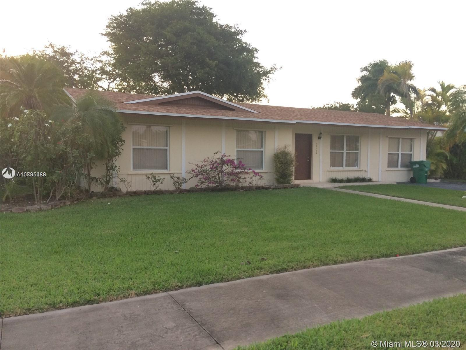 18002 SW 89th Ct  For Sale A10835488, FL