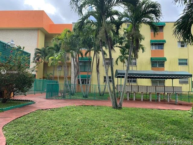 606 W 81st St #220 For Sale A10835552, FL