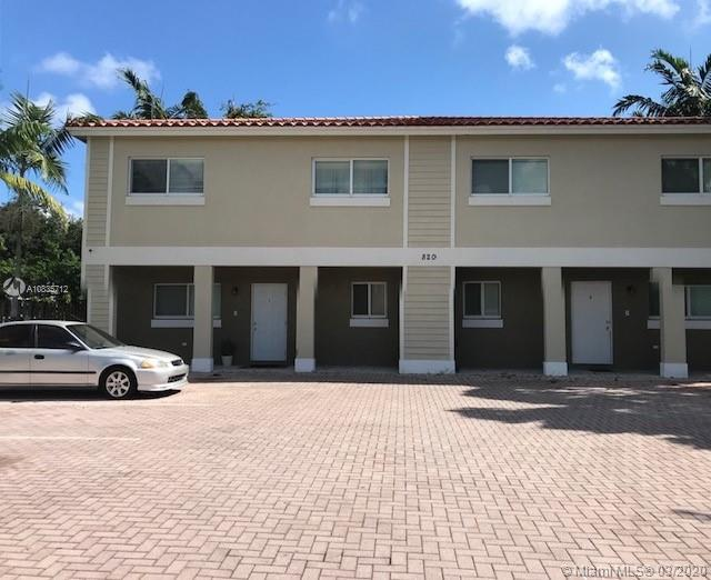 Nice  townhome in a small residential complex  , 3 bedroom 21/2. bath  close to downtown ft Lauderdale  ,available  on April 1st  ,   section 8 welcome requires  complete rental  application .with work and rental history together with credit score .call agent for showing  and information .
