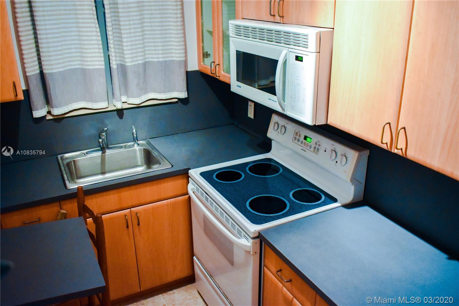 1341  Meridian Ave #102 For Sale A10835794, FL