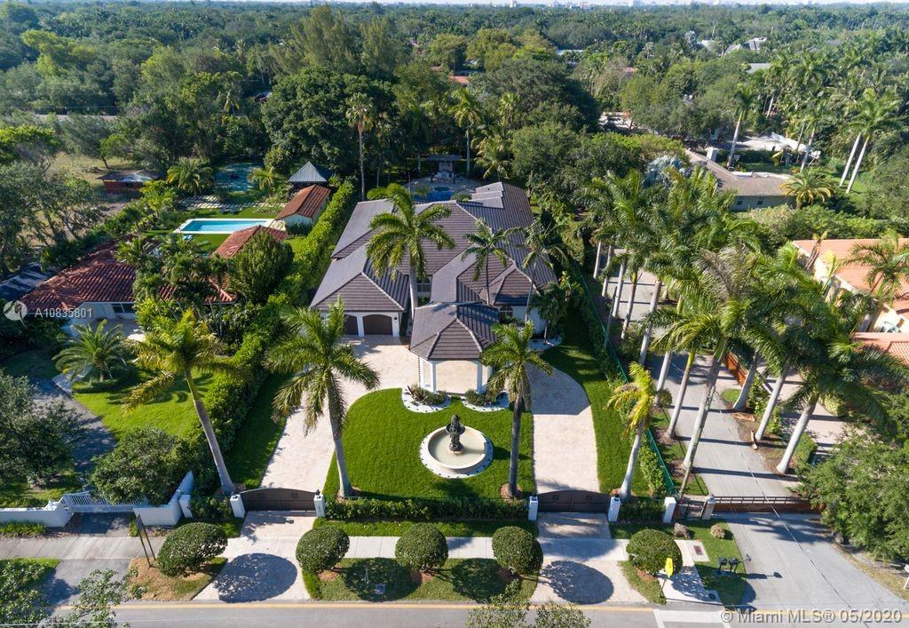 5837 SW 102nd St  For Sale A10835801, FL