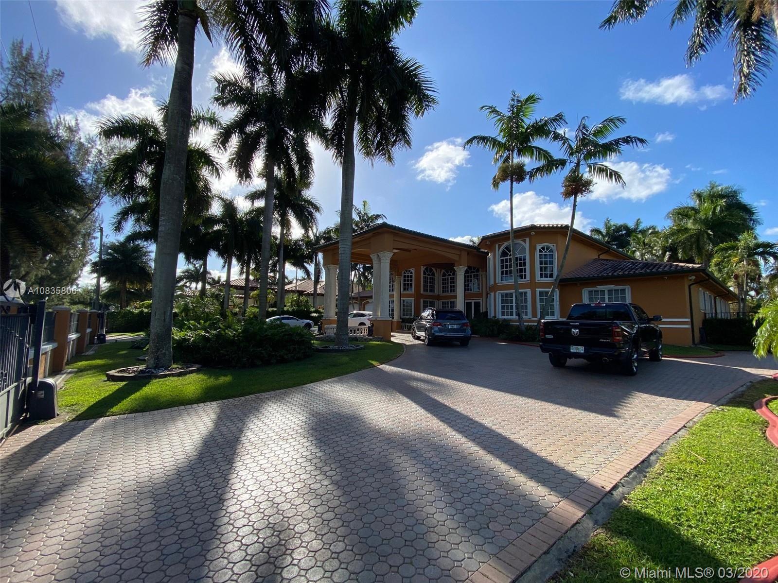 9928 NW 133rd St, Hialeah Gardens, FL 33018