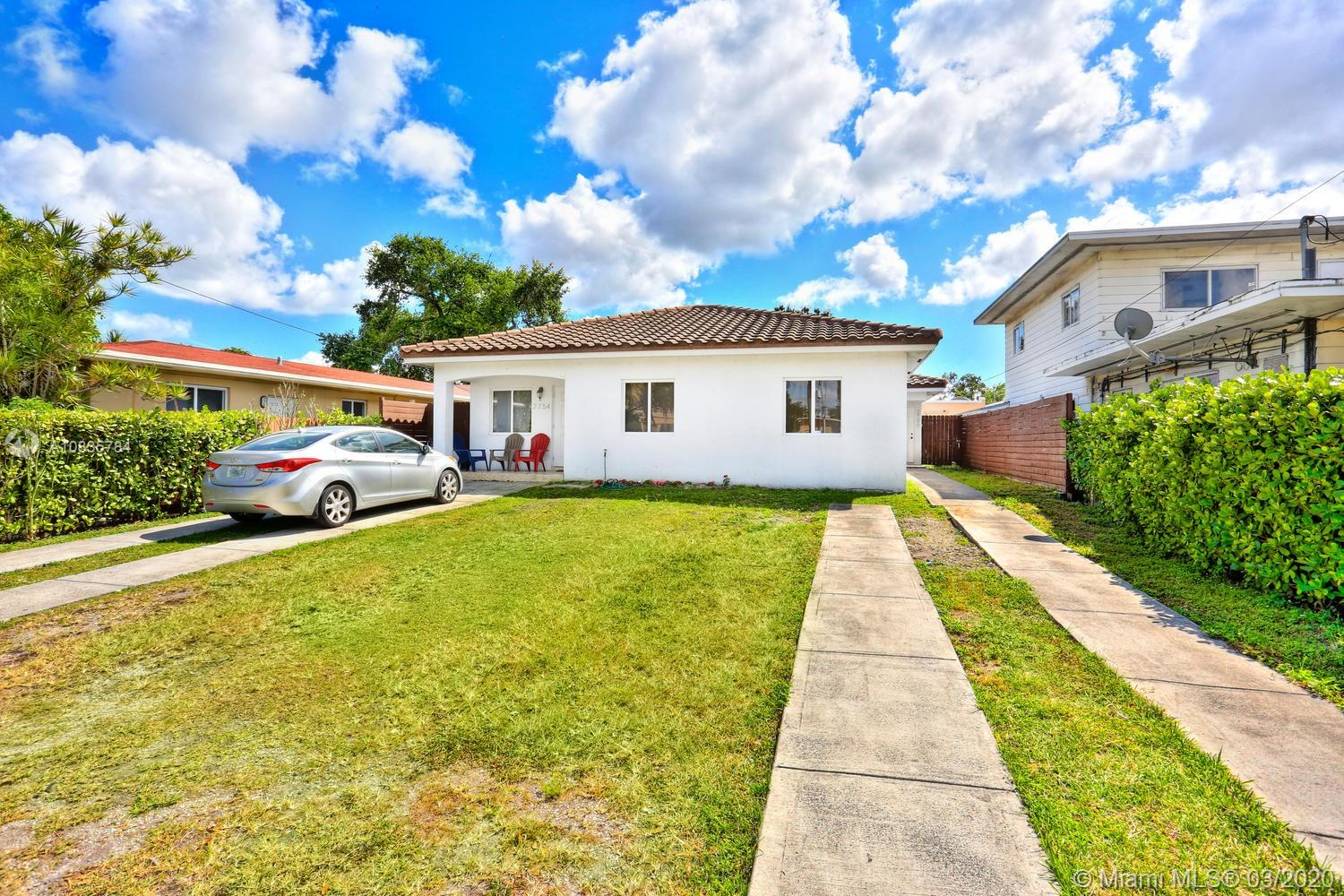 2754 NW 17th St  For Sale A10835784, FL