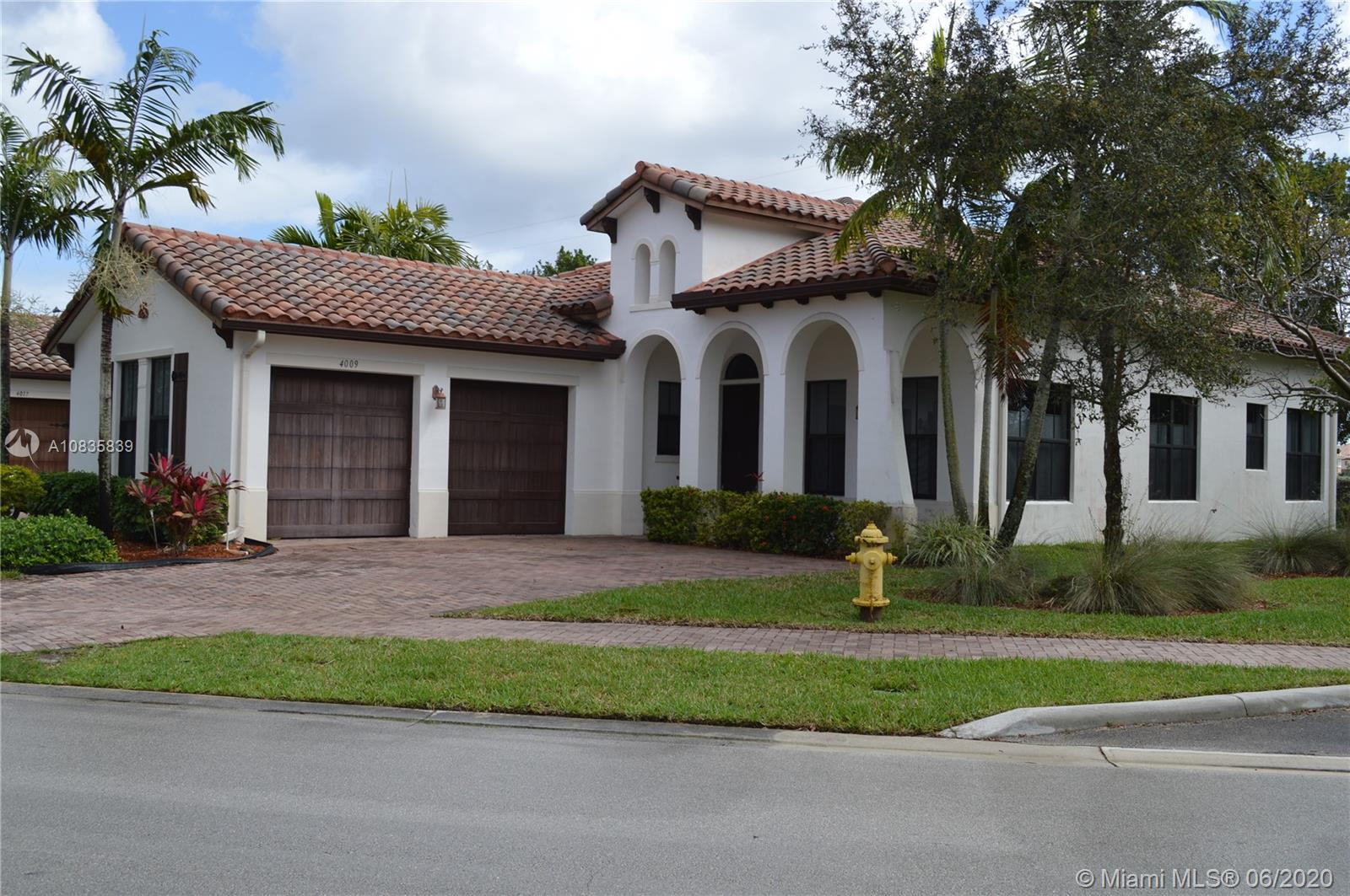 4009 NW 85th Dr  For Sale A10835839, FL