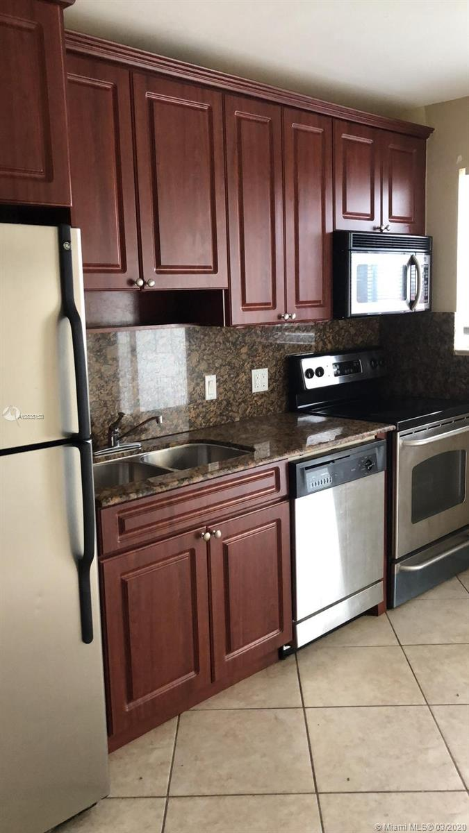 828 SW 2nd St #5 For Sale A10836150, FL