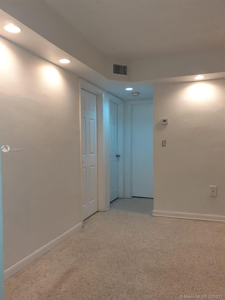 1135 NW 4 ST #4 For Sale A10836177, FL