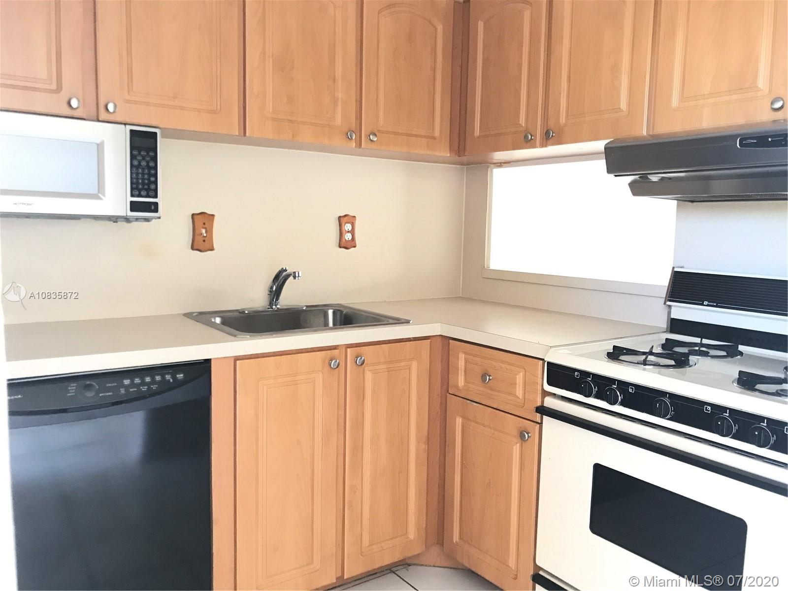 6886 N Kendall Dr #D403 For Sale A10835872, FL