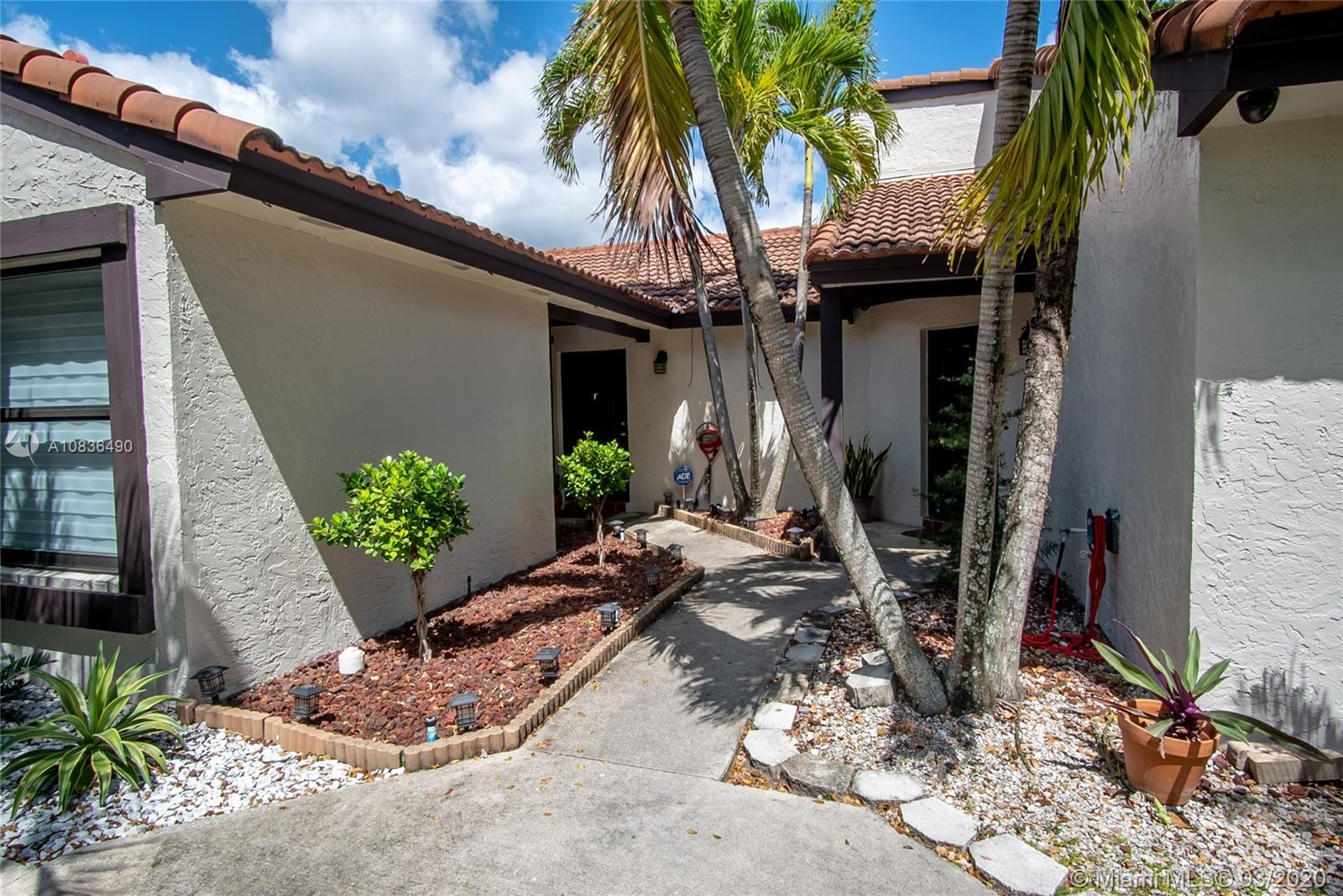 15205 SW 48th Ter #F-80 For Sale A10836490, FL