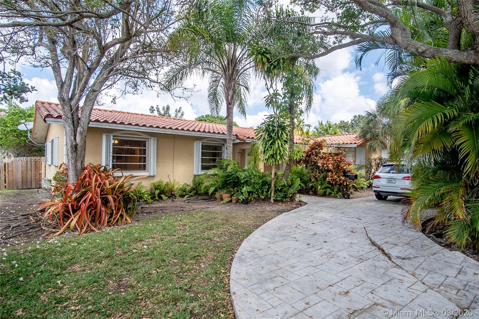 8761 SW 148th St  For Sale A10836583, FL
