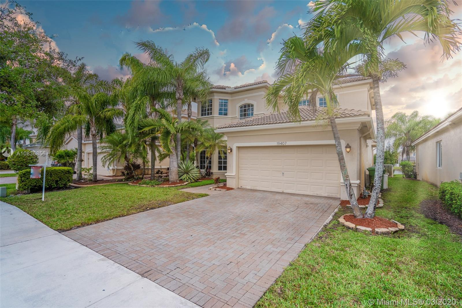 19407 SW 65th St  For Sale A10836856, FL