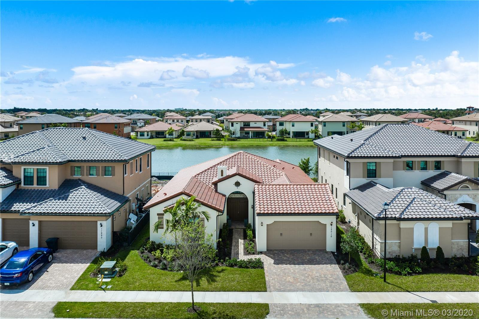 12010  Watermark Way  For Sale A10834799, FL