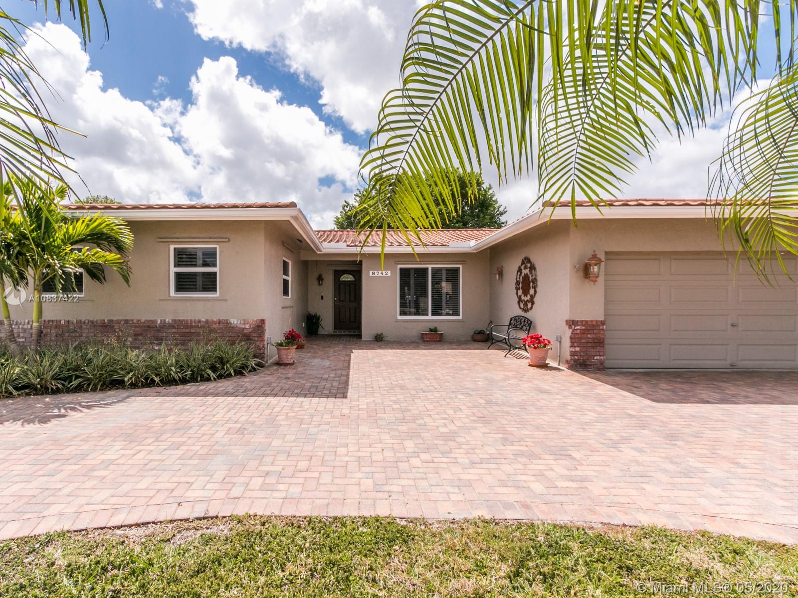 8742 NW 18th Ct, Coral Springs, FL 33071