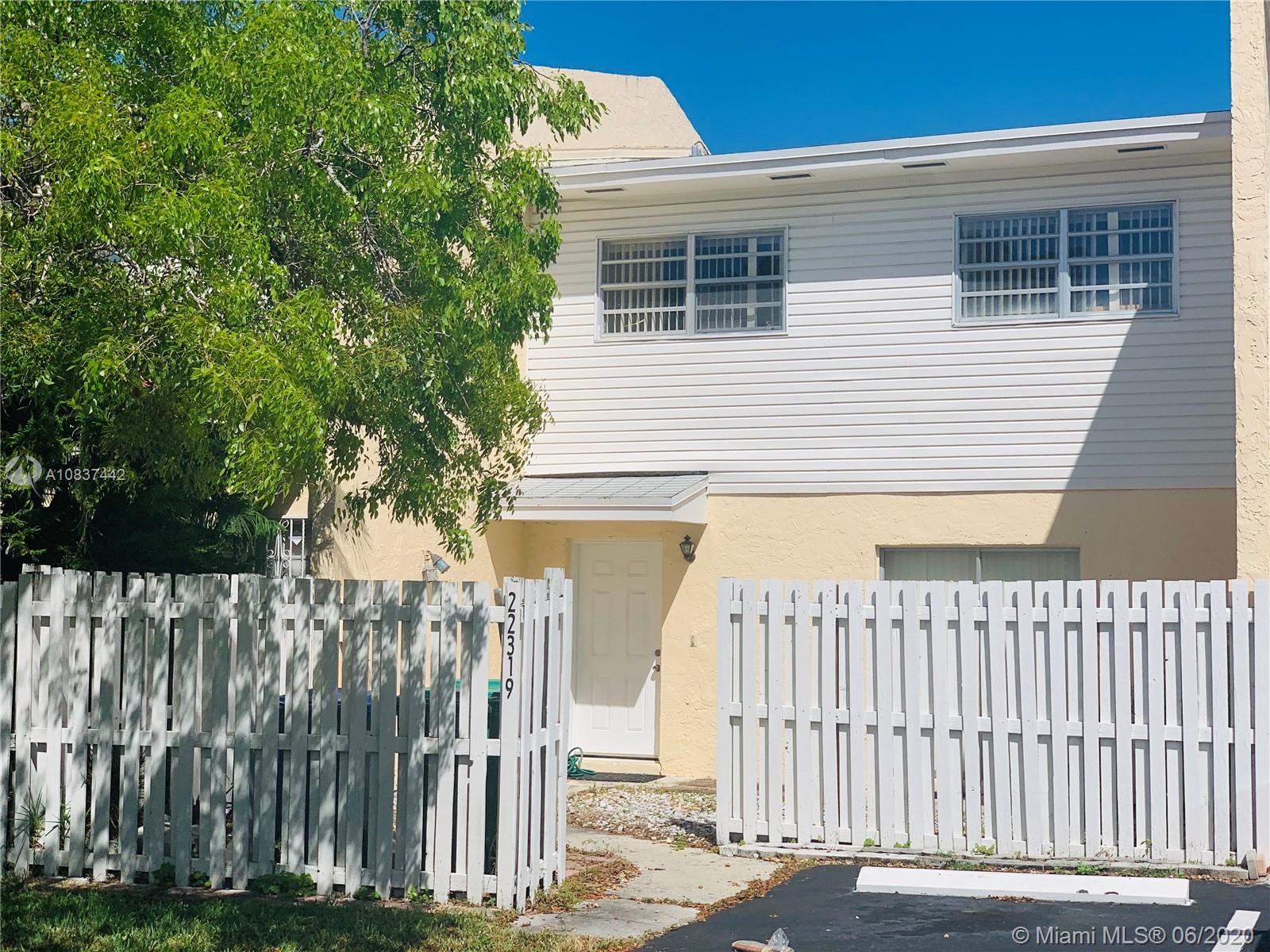22319 SW 103rd Ave  For Sale A10837442, FL