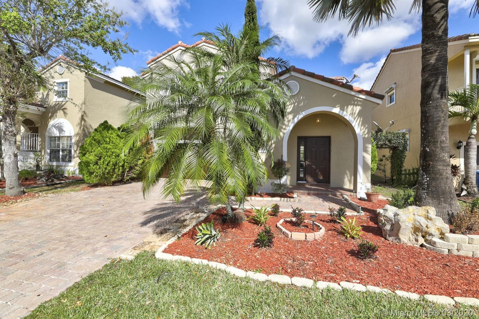 Beautiful Newly remodeled  3 bedroom + 2.5 baths 2 story home in the desirable gated community of Vizcaya off Lakeview Drive- the best street in Coral Springs! Surrounded by luxury high end communities. This spectacular  home features top of the line custom kitchen with Wolf appliances, wood floors,freshly remodeled bathrooms and amazing open space concept. MUST SEE! Won't Last!