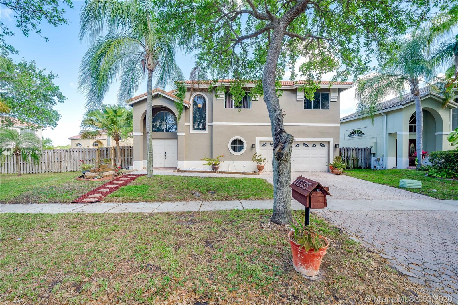 11325  Roundelay Rd  For Sale A10837605, FL