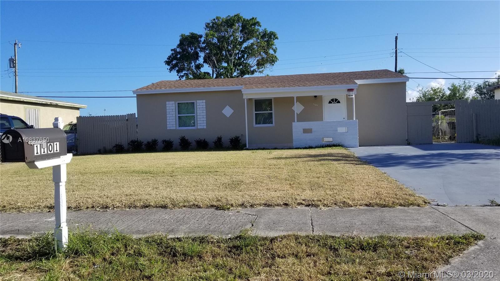 1101 S 15th Ave S, Lake Worth, FL 33460