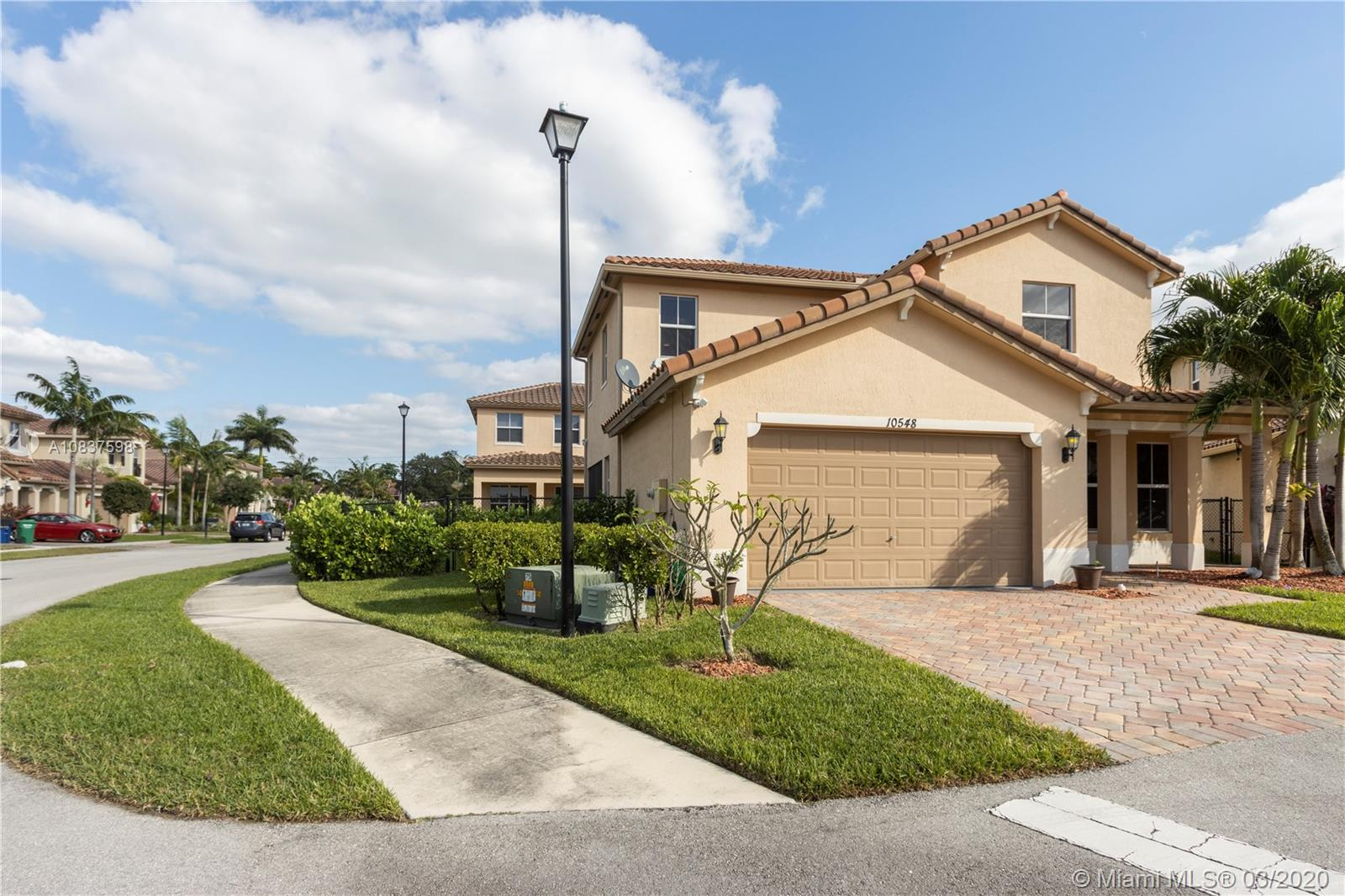10548 NW 36th St, Coral Springs, FL 33065