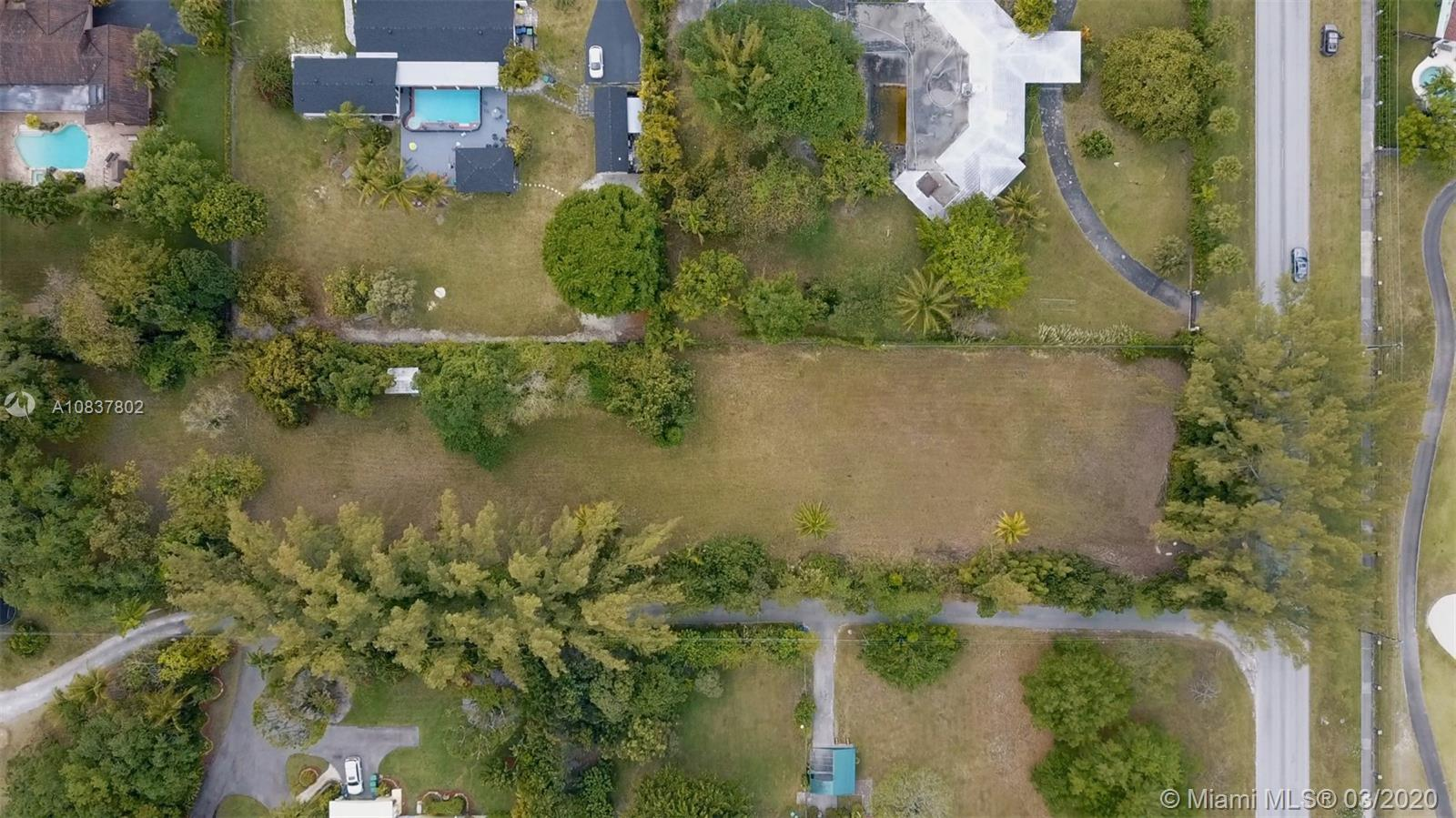9840 SW 104th St  For Sale A10837802, FL