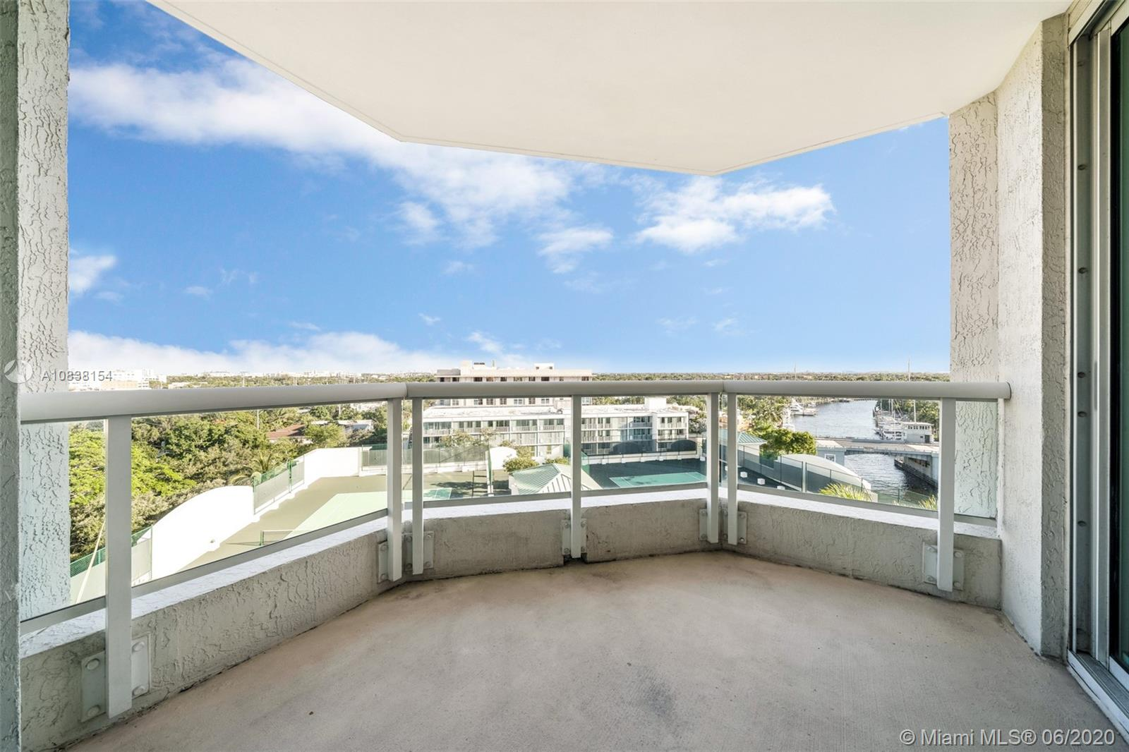 Amazing unit at the Esplanade in Fort Lauderdale. Waterviews from this amazing condo building with lots of amenities and near the beach, Las Olas blvd, shops, restaurants and more. 10th floor unit with balcony, won't last!