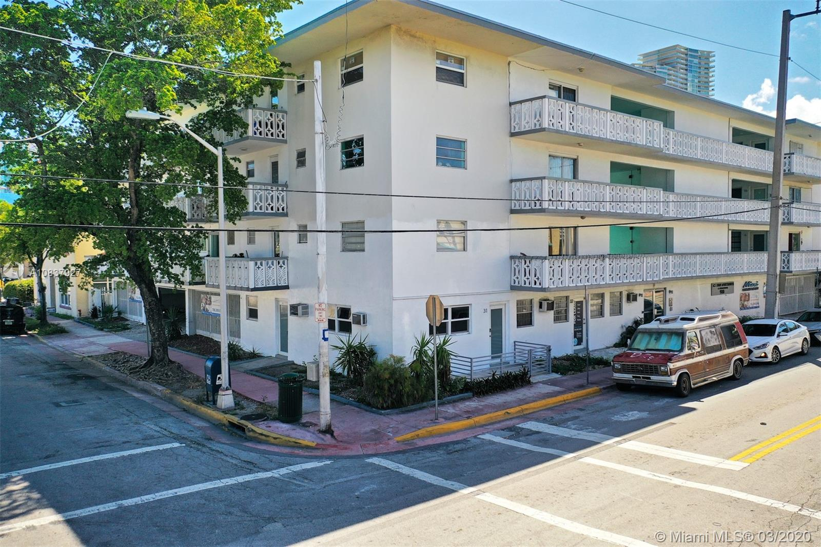900  6th St #31 For Sale A10837927, FL