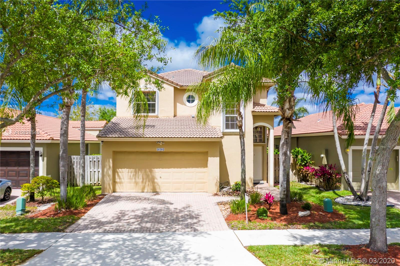 16403  Sapphire St  For Sale A10838548, FL