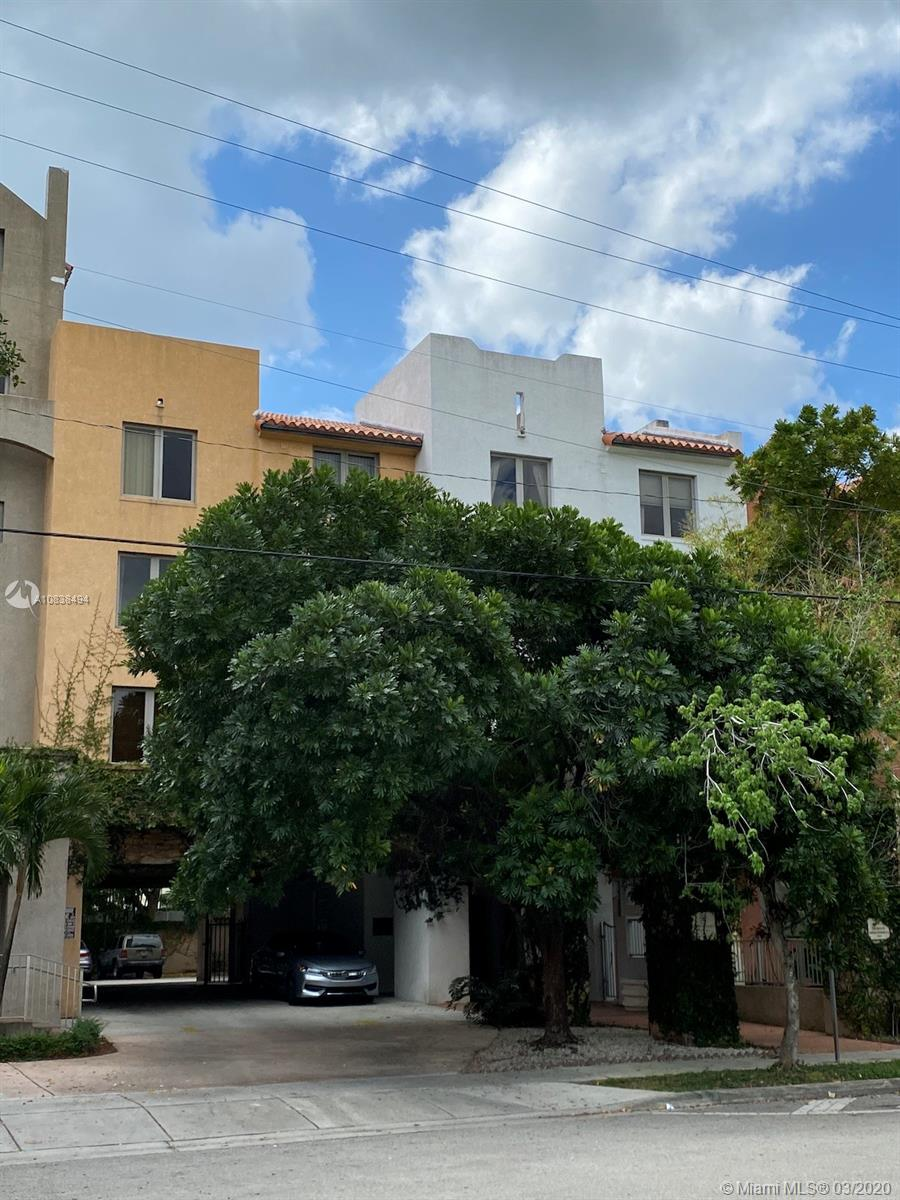 2630 SW 28 st #30 For Sale A10838494, FL