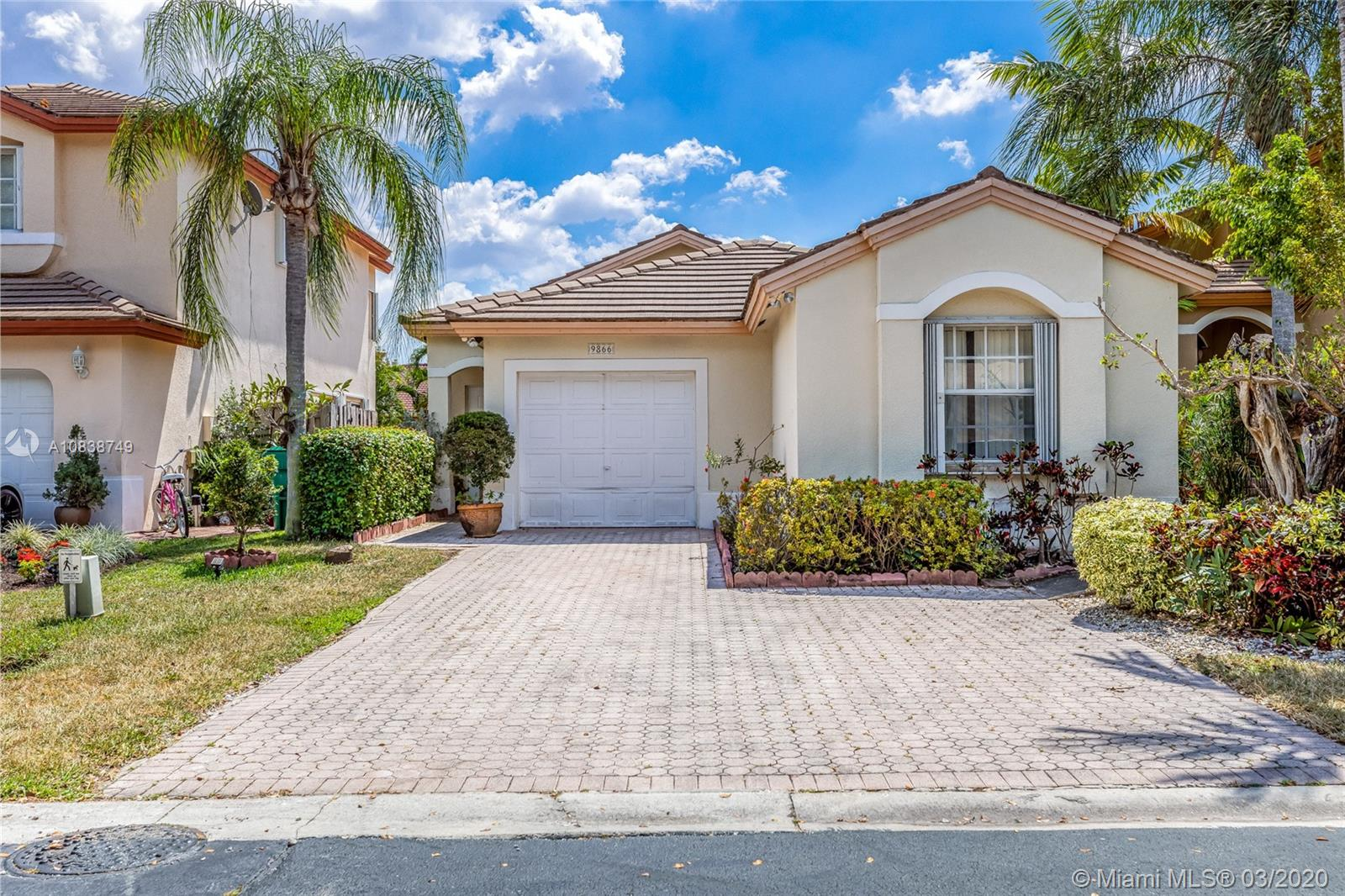 9866 NW 29th St  For Sale A10838749, FL