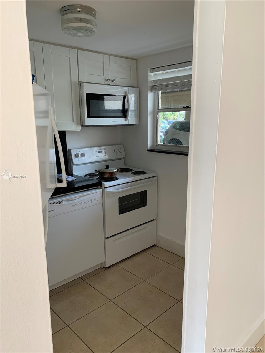 3522 NE 171st St #103 For Sale A10838928, FL