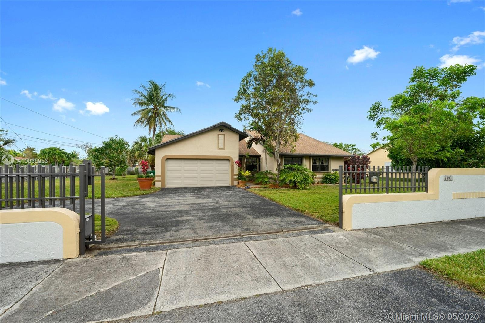 8895 SW 152 St  For Sale A10838953, FL