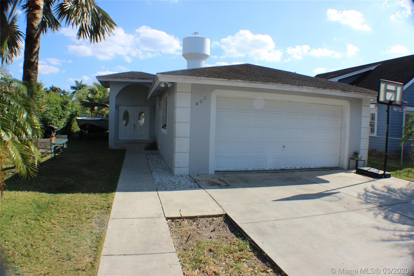420 NW 10th St  For Sale A10839117, FL
