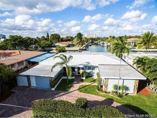 2243 Bayview Ln, North Miami, FL 33181