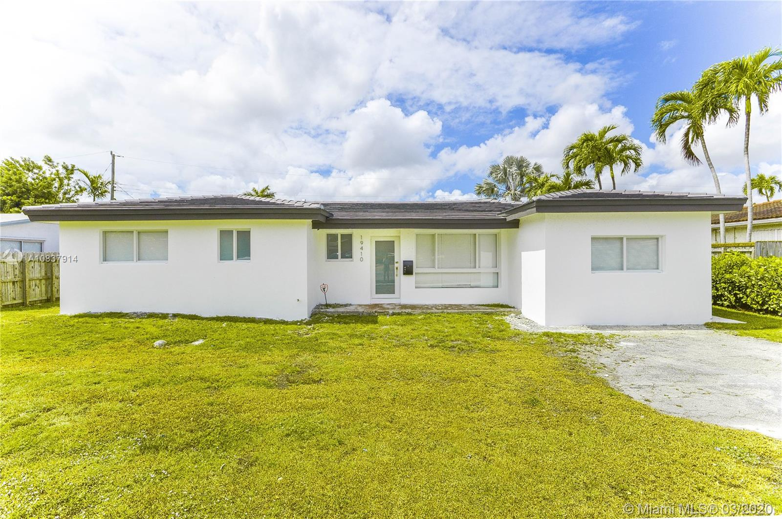 19410 NE 19th Pl  For Sale A10837914, FL